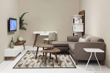 L型布艺沙发S-578K,组合型茶几CT-301,CB-081,可按照个人喜好随意组合。胡桃木和浅色系的搭配,还原生活的本质,让您用心品味生活。