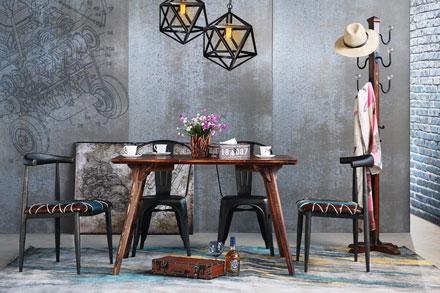 桌面厚重结实有质感 稳固的桌脚设计